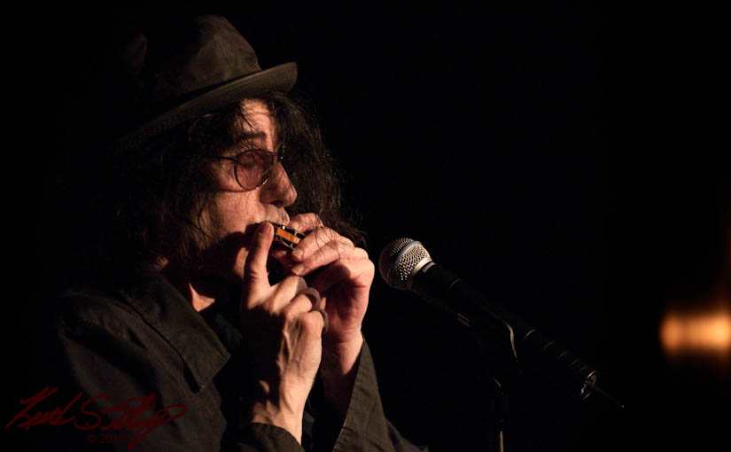 Peter Wolf Live on stage at tupelo music hall